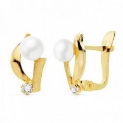 Pendientes oro 18k niña 11mm. perla 4mm. bandas lisas punta circonita cierre catalán