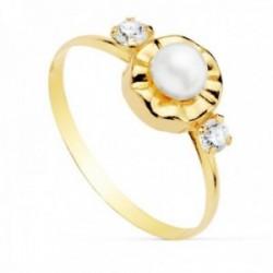Sortija oro 18k niña perla 4mm. detalle redondo tallado circonitas banda lisa