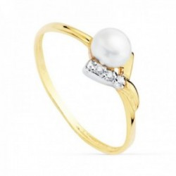 Sortija oro bicolor 18k niña entrelazado circonitas perla 4.5mm. banda lisa