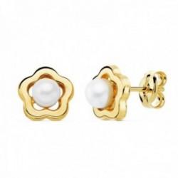 Pendientes oro 18k flor 8mm. calada centro perla 4mm. cierre presión