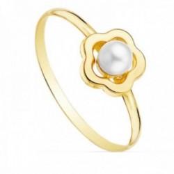 Sortija oro 18k flor 8x8mm. calada centro perla 4mm. cuerpo liso
