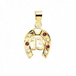 Colgante oro 18k amuleto herradura 13mm. centro número 13 detalle circonitas blancas rojas