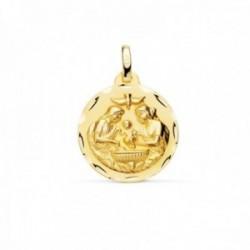 Medalla oro 18k Nuevo Bautismo 18mm. acabado mate detalle bordes tallados